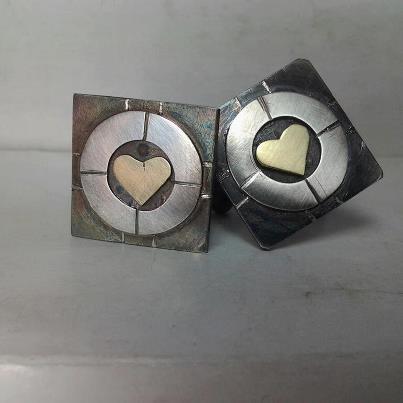Cufflinks inspired by Portal